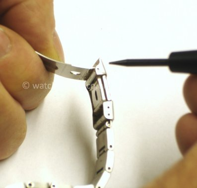 Casio Watch Straps Metal Bracelet Link Removal: Removing the spring bar