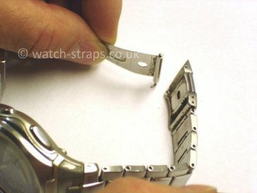Casio Watch Straps Metal Bracelet Link Removal: Spring bar removed